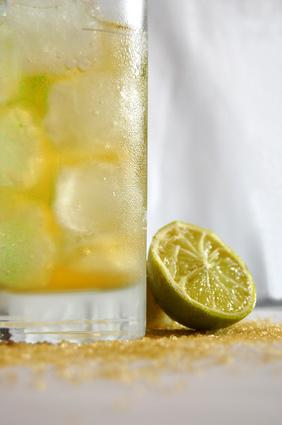 erfrischend sommerlicher lemon caipi gr ntee zum bestellen auch ein toller eistee mit rezept. Black Bedroom Furniture Sets. Home Design Ideas